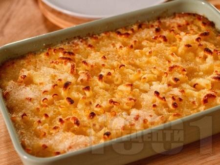 Макарони на фурна с яйца, захар, прясно мляко и сирене - снимка на рецептата